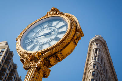 New York - Manhattan - Fifth Avenue Building Clock